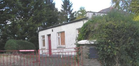 boardeduphouse_outsidenaas_cokildare_oct2012_pic2.jpg